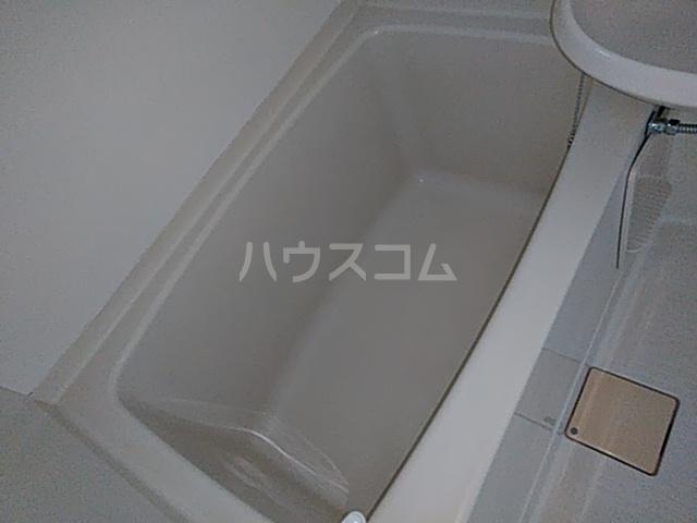 メゾンSⅠ 102号室の風呂