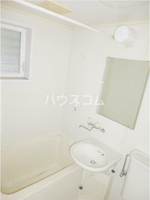 エミナンス 202号室の洗面所