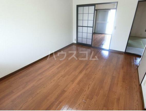 サニーセゾン東永谷A棟 203号室のリビング
