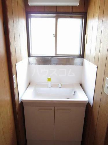 米山アパート 201号室の洗面所