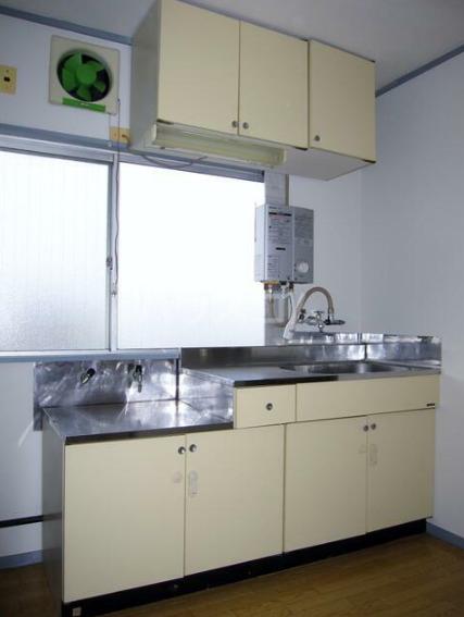 金沢ハイツ 301号室のキッチン
