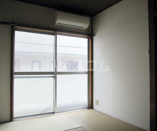 金沢ハイツ 301号室のベッドルーム