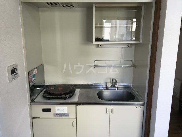 六浦駅南ハイツ 102号室のキッチン