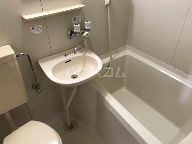 六浦駅南ハイツ 102号室の風呂