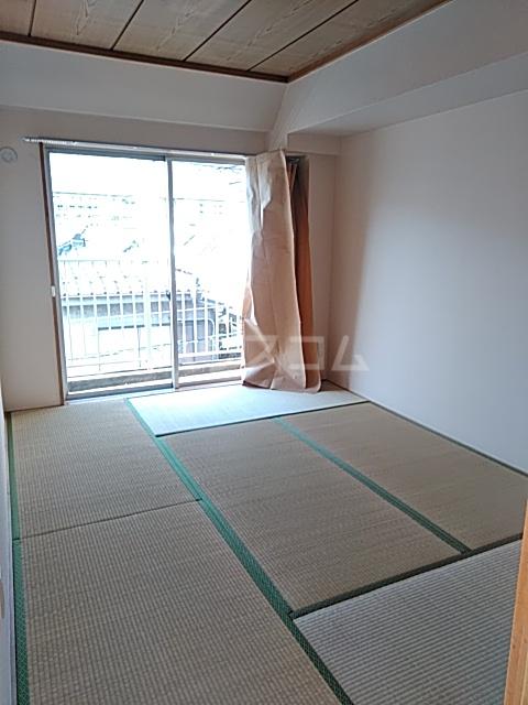 グランベールヨシダ 306号室の居室