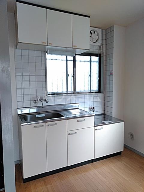 東和ハイツ 203号室のキッチン