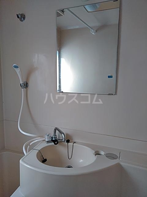 綾瀬桜マンション 202号室の洗面所