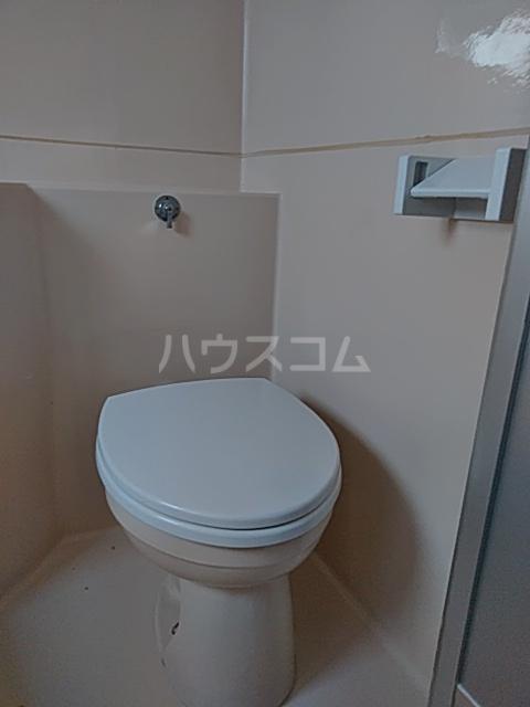 綾瀬桜マンション 202号室のトイレ