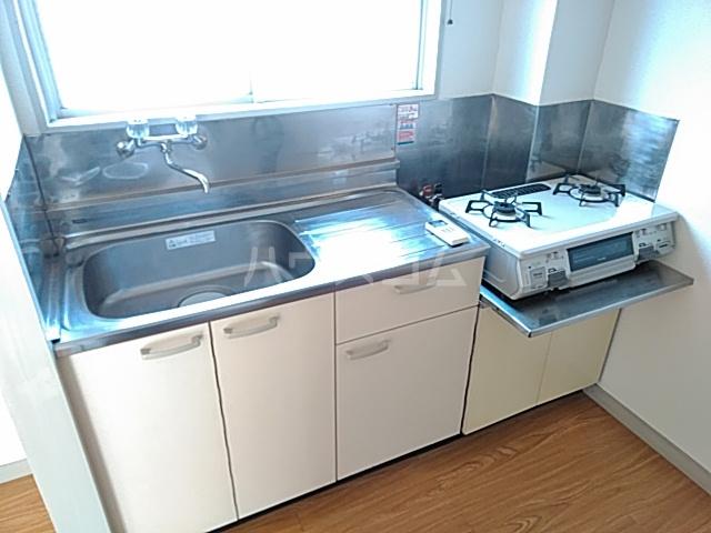 綾瀬桜マンション 202号室のキッチン