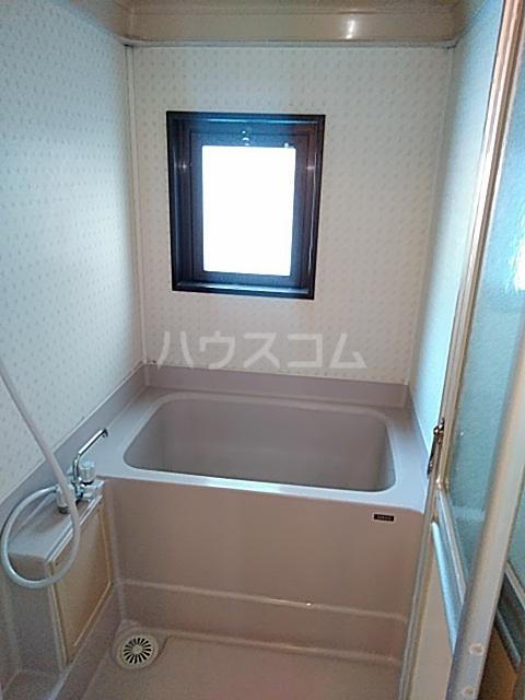 ラバーゼ東綾瀬 304号室の風呂