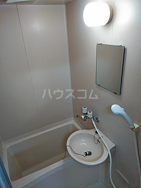 三輪ビル 302号室の風呂