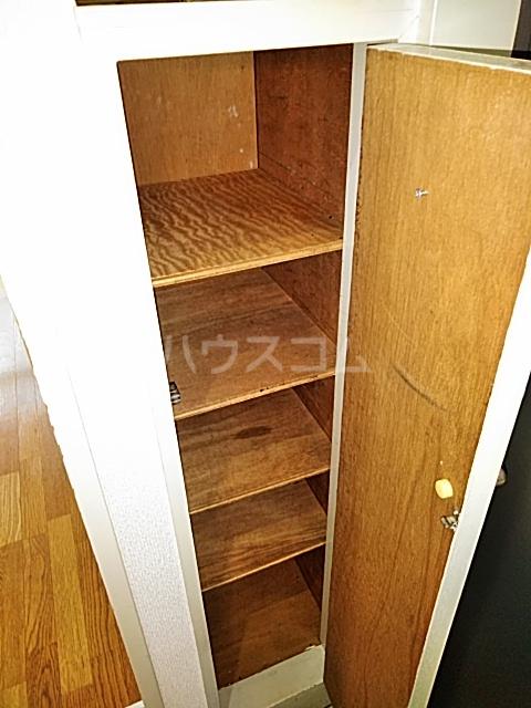 三輪ビル 302号室の収納