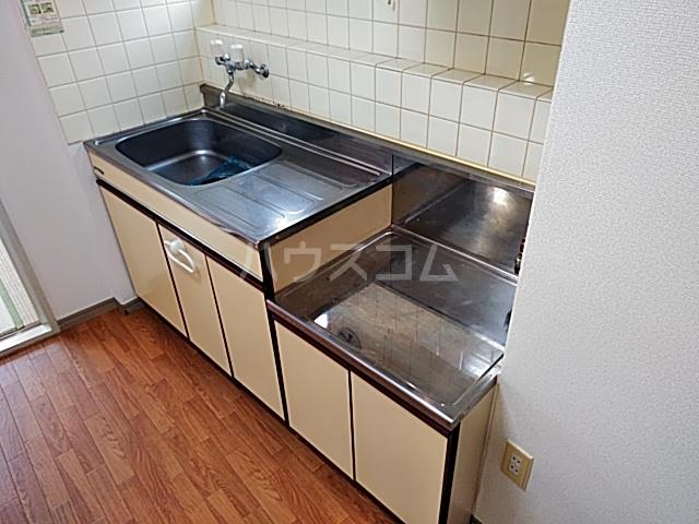 三輪ビル 302号室のキッチン