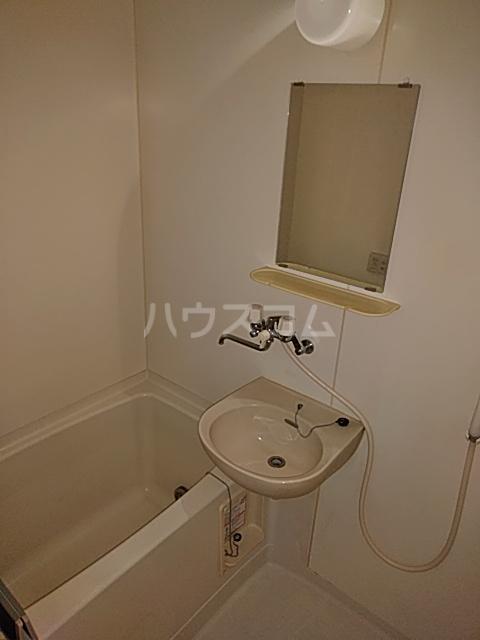ベクヴェーム北綾瀬Ⅱ 202号室の風呂
