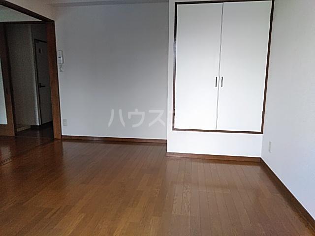ベクヴェーム北綾瀬Ⅱ 202号室のベッドルーム