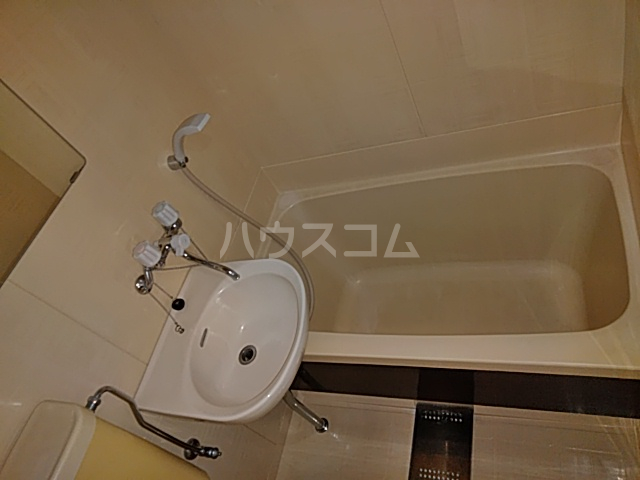 カーザ泉 201号室の風呂