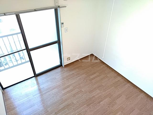 カーザ泉 201号室のベッドルーム