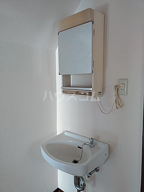 東和貸家の洗面所