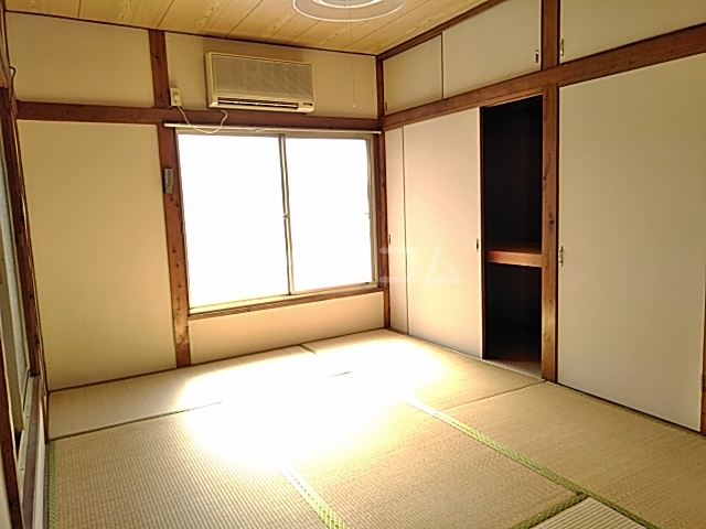 東和貸家の居室