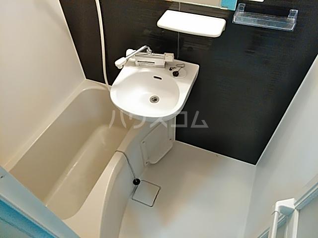 COCO SPACE北綾瀬 403号室の風呂