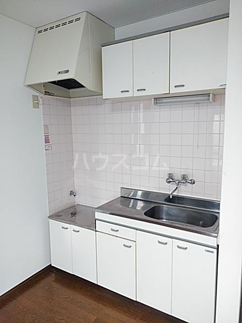 コンフォートアヤセ 202号室のキッチン