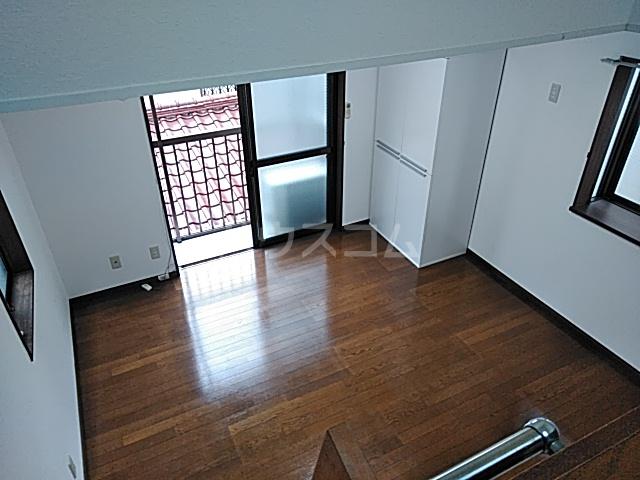 コンフォートアヤセ 202号室のリビング