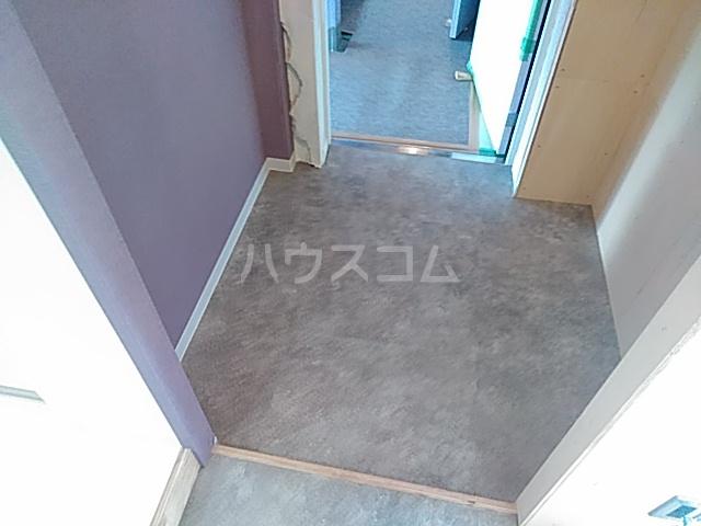 いろどりの杜 205号室の玄関
