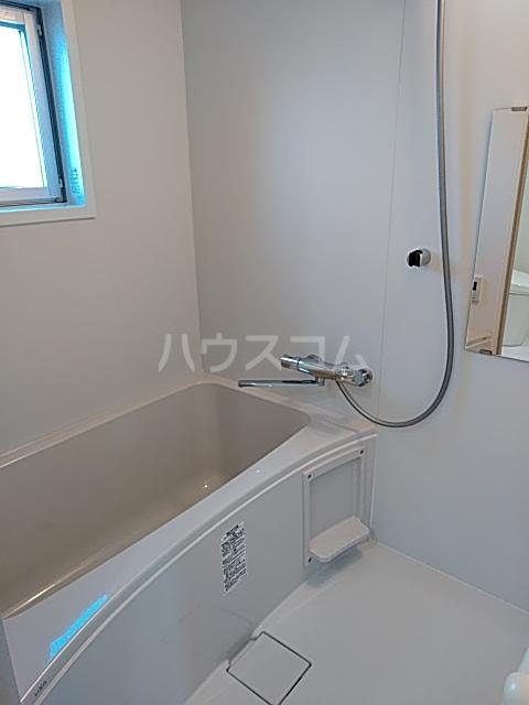 いろどりの杜 207号室の風呂