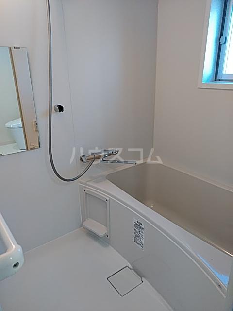 いろどりの杜 402号室の風呂
