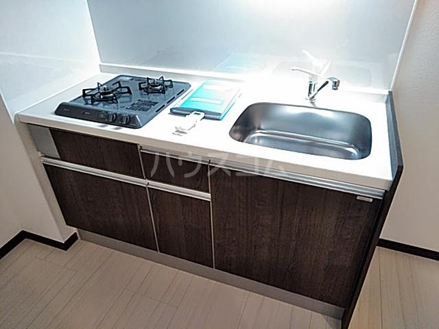 エルスタンザ綾瀬DEUX 104号室のキッチン