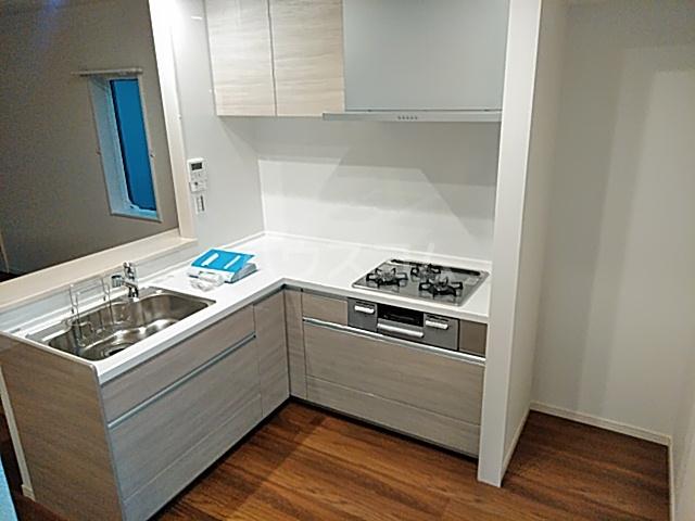 エルスタンザ綾瀬DEUX 203号室のキッチン