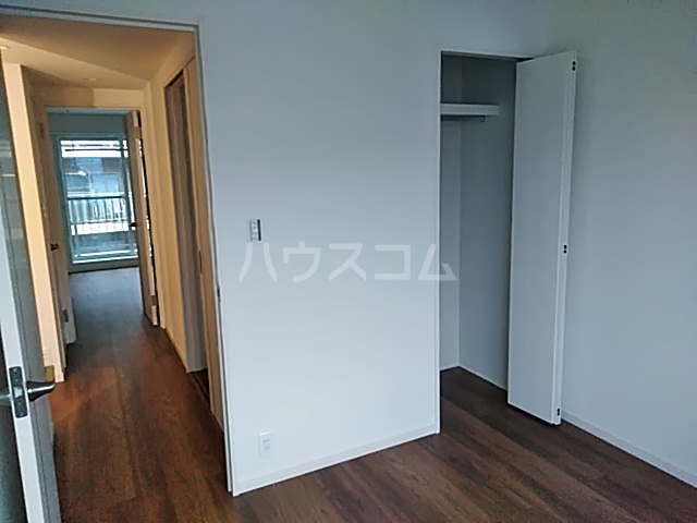 エルスタンザ綾瀬DEUX 203号室のリビング