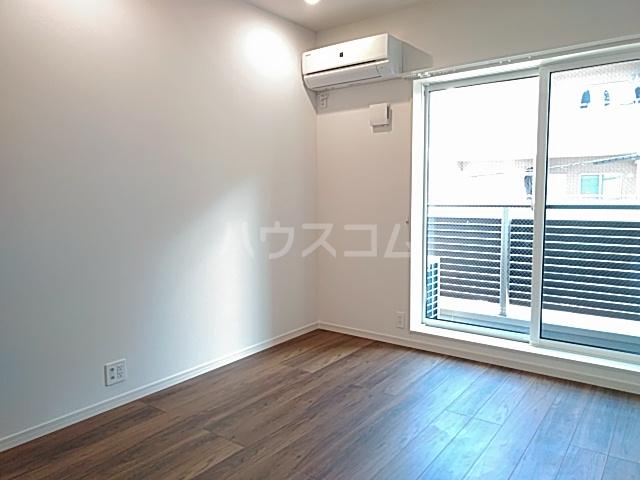 エルスタンザ綾瀬DEUX 204号室のエントランス