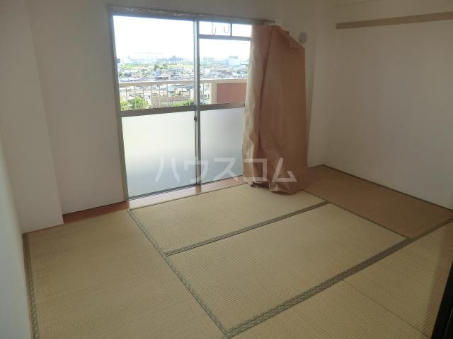 中駒九番団地 3号棟 1025号室のベッドルーム