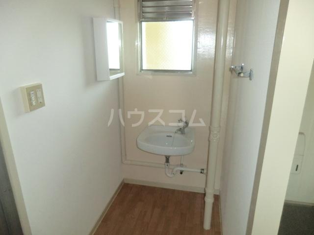 中駒九番団地 3号棟 1121号室の洗面所