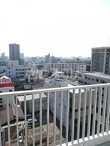 中駒九番団地 7号棟 1302号室の景色