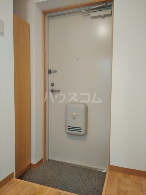 A-city港十一屋 401号室の玄関