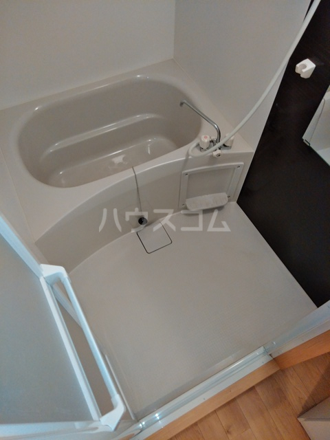 A-city港十一屋 401号室の風呂