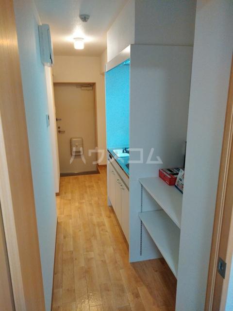 A-city港十一屋 401号室のキッチン