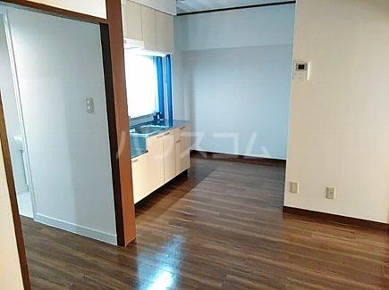千代田グリーンハイツ 402号室のリビング
