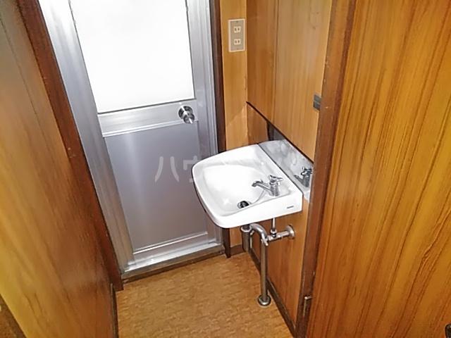ルミエールホリショー 101号室の洗面所