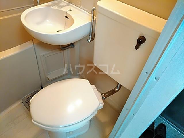 セーラ永森 205号室のトイレ