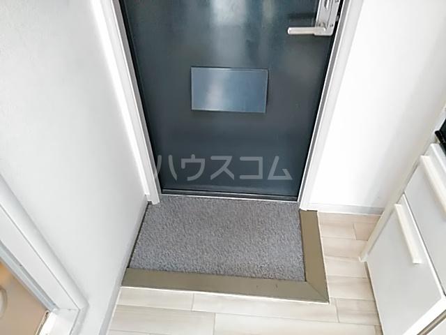 セーラ永森 205号室の玄関