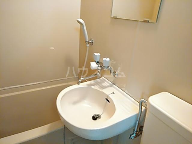 セーラ永森 205号室の洗面所