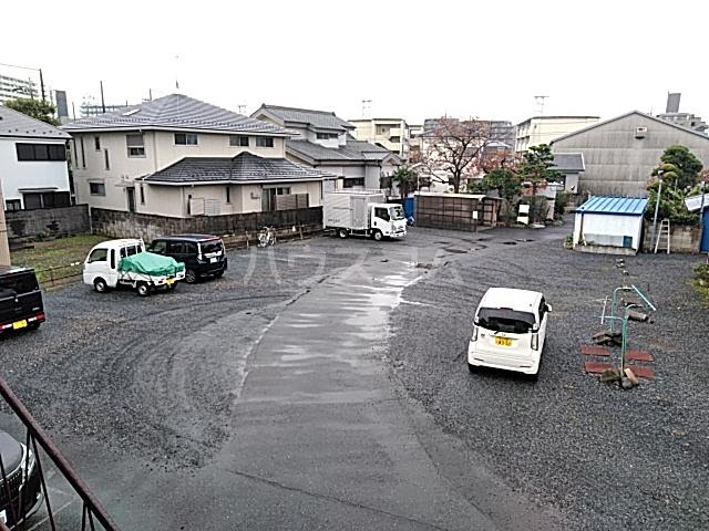 第一小川荘 10号室の駐車場