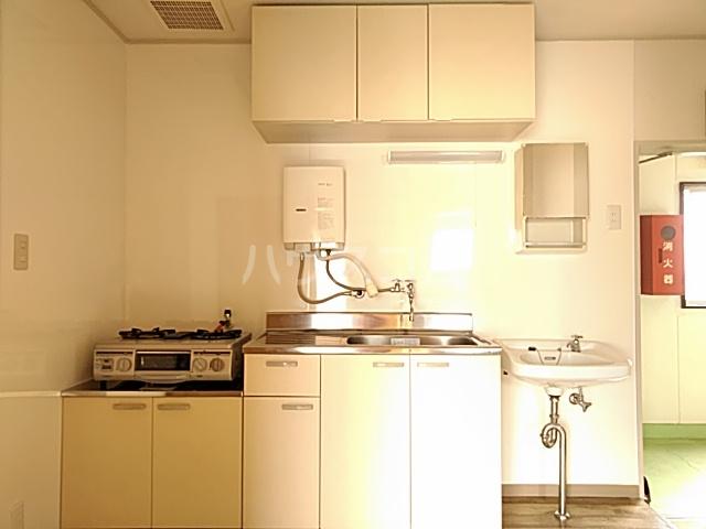 日設マンション 302号室のキッチン