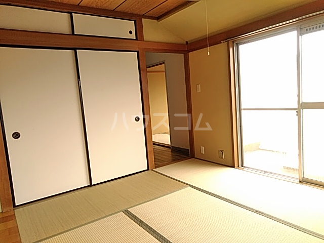 日設マンション 302号室のベッドルーム