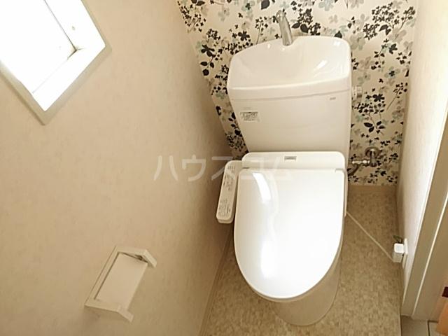 日設マンション 302号室のトイレ