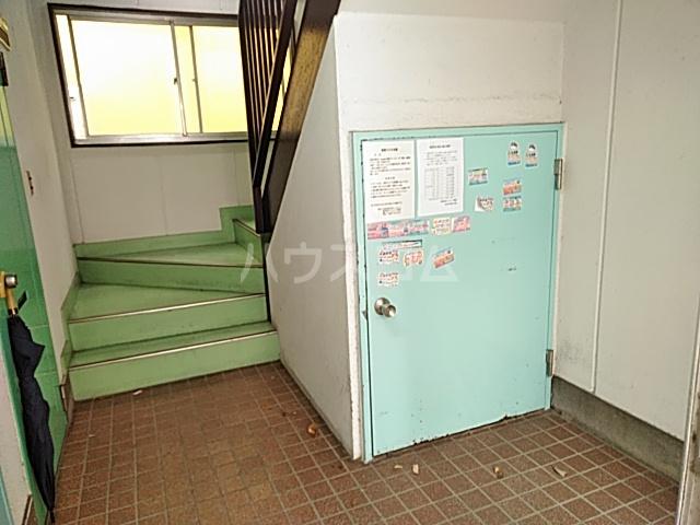 日設マンション 302号室のロビー