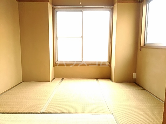 日設マンション 302号室の居室
